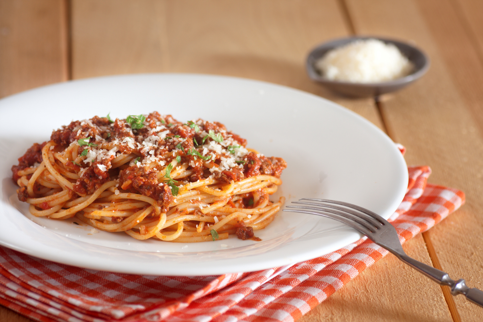 Super Simple, Fast, Budget Friendly Spaghetti Bolognese